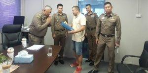 Maxime récompensé par la Police Royale Thailandaise (Wai)